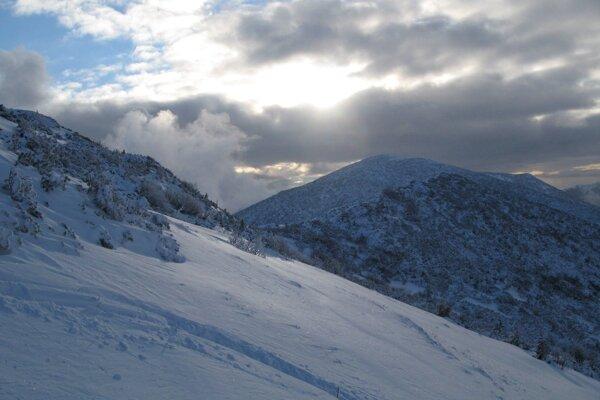 Na horách je počasie úplne iné ako v údoliach, turisti by na to mali myslieť.