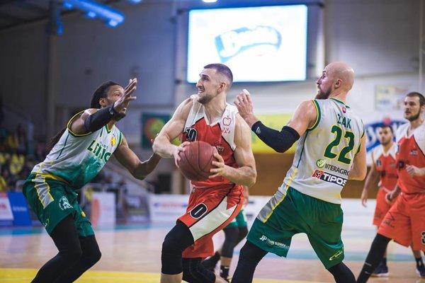 Rajskí basketbalisti v Leviciach bojovali, body však získať nedokázali.