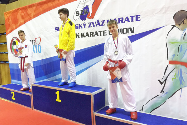 Šimon Válek (vpravo) skončil vo svojej kategórii bronzový.