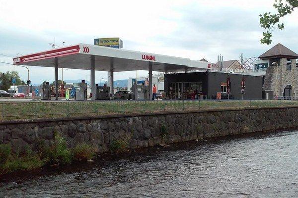Výstavba čerpacej stanice zmobilizovala Ružomberčanov, pre mnohých je stále veľmi citlivým problémom.