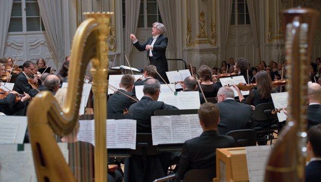 James Judd diriguje Slovenskú filharmóniu