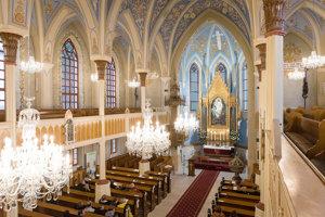 Zrekonštruovaný interiér kostola.
