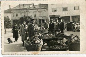 Zeleninu kupovali Žilinčania od Bulharov.