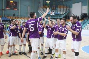 Futbalisti Mojmíroviec zaslúžene vyhrali turnaj o majstra 7. ligy a postúpili na zajtrajší hlavný hrací deň 27. ročníka Vianočného MY Moget Cupu.