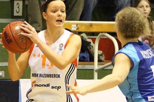Domáce hráčky v Koniarni tesne podľahli francúzskemu tímu.