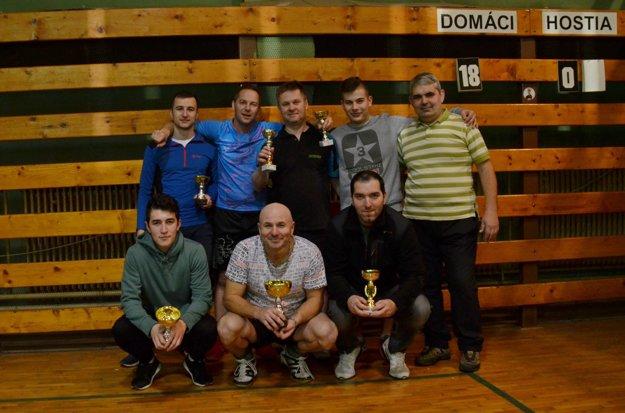 Účastníci Top 12, hore zľava M. Letanovský, G. Gallo, P. Repaský, D. Škorňa, I. Minčev, dole zľava J. Letanovský, R. Babič, G. Guľkáš.
