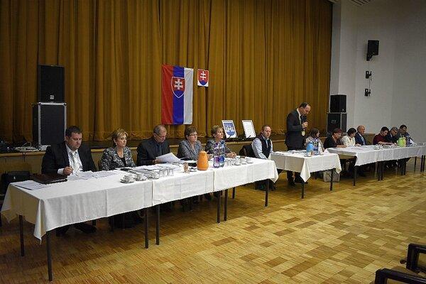 V pracovnej časti prvého zasadnutie rozhodovali poslanci aj o zložení komisií v Ilave.