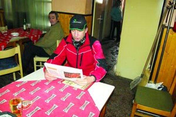 Čo píšu? Najviac času zaberú Martinkovcom futbalové tabuľky a súťaže. Cez zimu šport všeobecne.