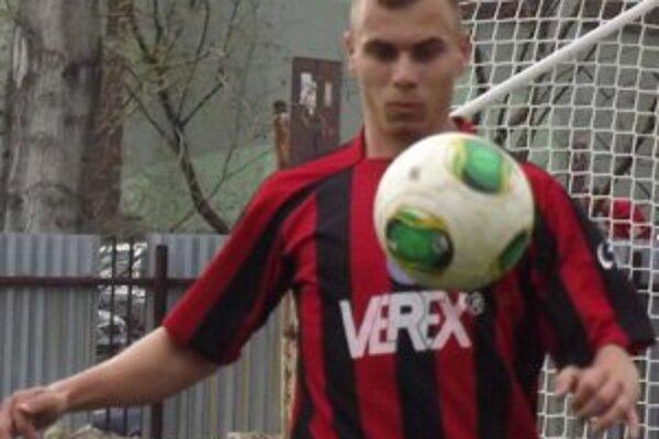 Adam Morong dvoma gólmi rozhodol, že  druhá liga sa bude  hrať  v  Liptovskom Mikuláši aj v nasledujúcej sezóne.