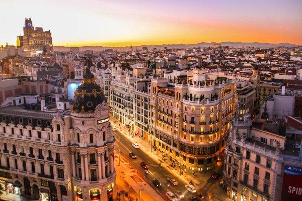Španielsko láka spoznávať v každom ročnom období
