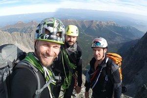 Michal Rajniak spolu so svojimi kamarátmi zdolal 17 kopcov s výškou nad 2500 metrov.