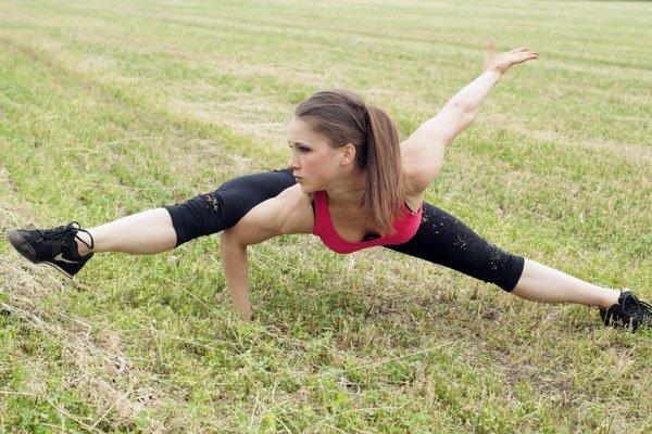 Dominika Mulráňová  trénuje pod hlavičkou VTJ Technika Liptovský Mikuláš. Klub je prostredníctvom Slovenskej asociácie kulturistiky fitness a silového trojboja (SAKFST) členom medzinárodnej federácie IFBB, ktorá podpísala antidopingovú chartu  a uznáva ju