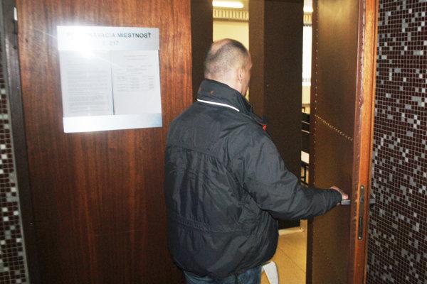 Marián prišiel na krajský súd už bez eskorty.