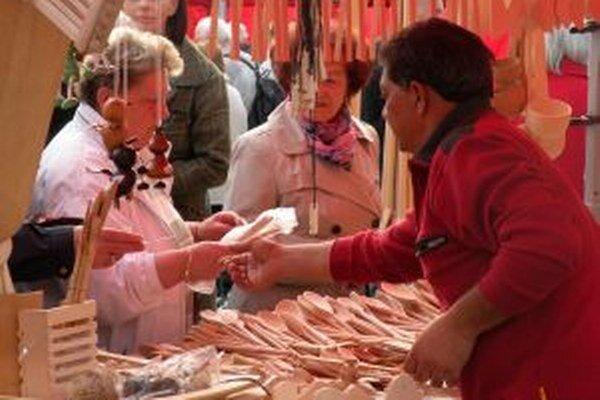 Tradičné štvrtkové farmárske trhy budú pokračovať počas vianočných trhov.