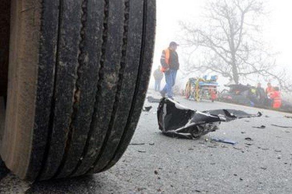 Pri dopravných nehodách zahynulo sedem ľudí.