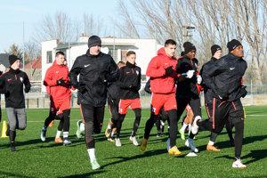 Futbalisti Serede absolvovali za prvý týždeň sedem tréningových jednotiek a prvý prípravný zápas.