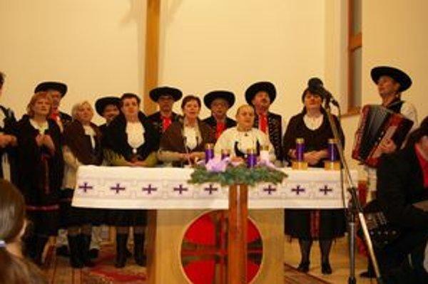 Pastorále. O úvod sa postarala spevácka skupina Štepnická skala.