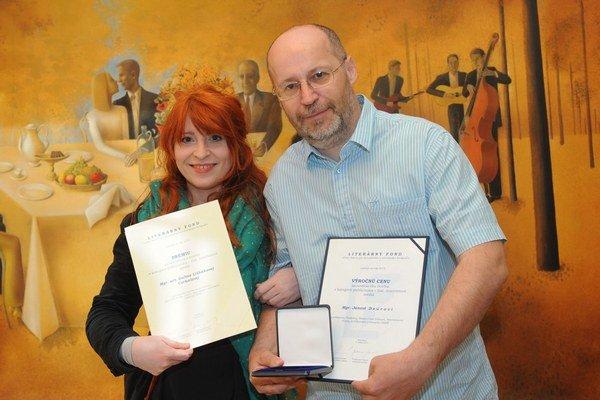 Ján Dzúr získal Výročnú cenu,  jeho  kolegyňa Galina Lishaková Prémiu Literárneho fondu.