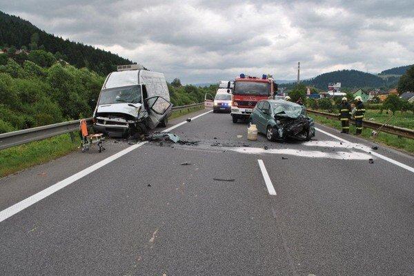 Nehoda sa stala za Ružomberkom v smere do Hubovej.