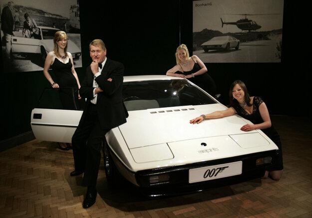 Automobil Lotus Esprit z filmu James Bond: Agent, ktorý ma miloval z roku 1977.