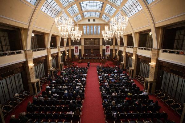 Evanjelická bohoslovecká fakulta je súčasťou Univerzity Komenského v Bratislave od roku 1990