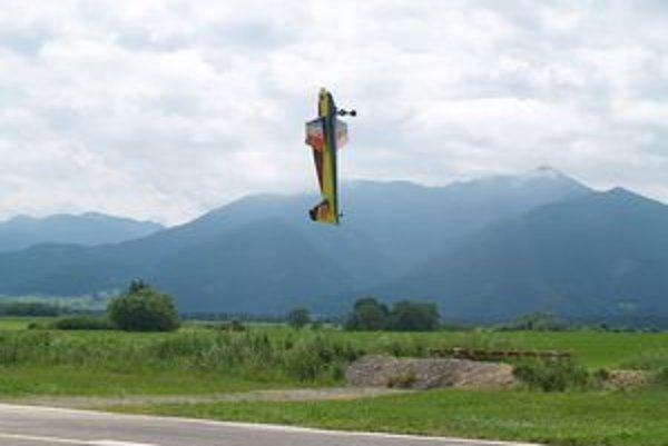 Na najväčšej slovenskej letecko-modelárskej šou môžete vidieť rôzne akrobatické kúsky.