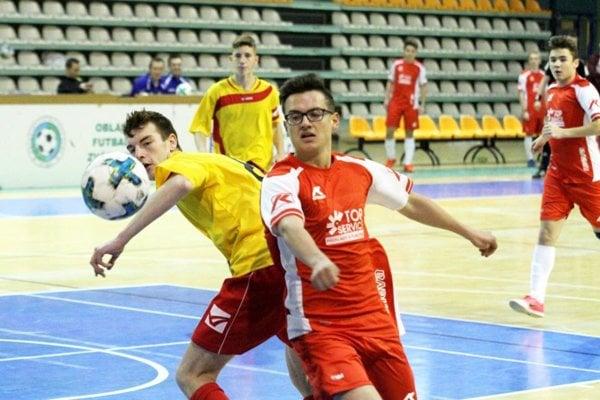 Dorastenci z 28 klubov si zahrajú na halovom turnaji PP Invest Cup.