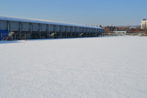 Aktuálne je ihrisko pod snehom. Hotové bude najskôr v marci.