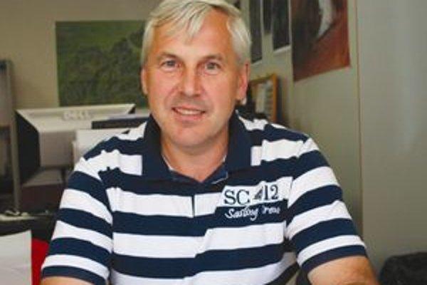 Predseda štrajkového výboru Milan Mik pracuje v závode už dvadsaťosem rokov.