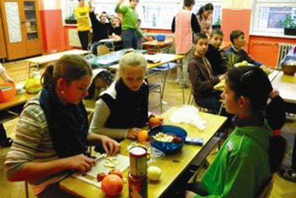 V ľubochnianskej škole majú rôzne aktivity. Jednou z nich je aj Týždeň zdravej výživy.