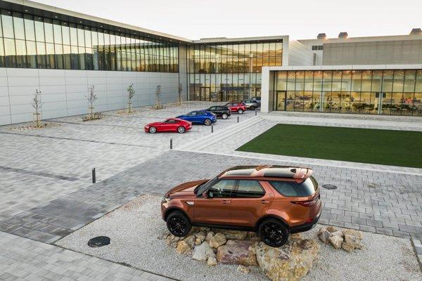 Závod Jaguar Land Rover otvorili vlani na jeseň.