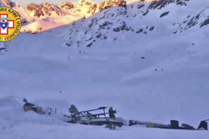 Zrážka malého lietadla a helikoptéry.