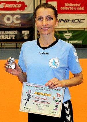 Marta Kvasňovská dostala cenu pre najlepšiu hráčku turnaja.