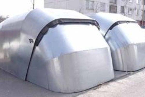Daň za prenosnú garáž je taká vysoká, že ich majitelia budú zrejme likvidovať.