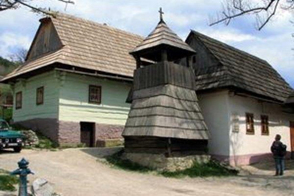 Na oprave a udržiavaní objektov vo Vlkolínci je potrebné neustále pracovať, aby svetovo známa osada bola ešte viac atraktívnejšia pre turistov