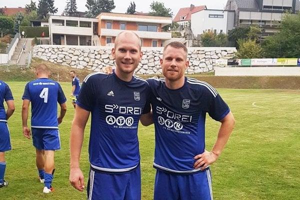 Eduard a Vratislav Gajdošovci sú oporami rakúskeho mužstva USC Wallsee, ktoré po jeseni vedie šiestu ligu.