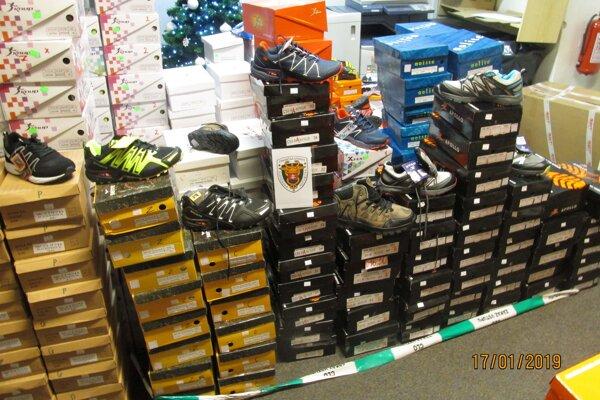Falzifikáty športovej obuvi môžu byť zdraviu škodlivé.