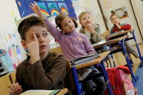 Do siedmich základných škôl v zriaďovateľskej pôsobnosti ružomberskej radnice rodičia zapísali 231 detí do prvého ročníka.
