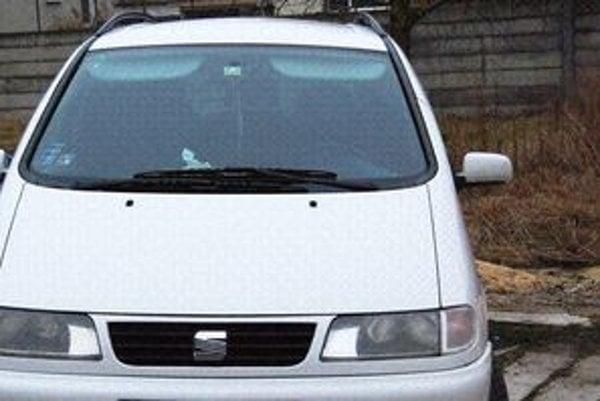 Lupič ukradol taxikárovi Seat Alhambra.