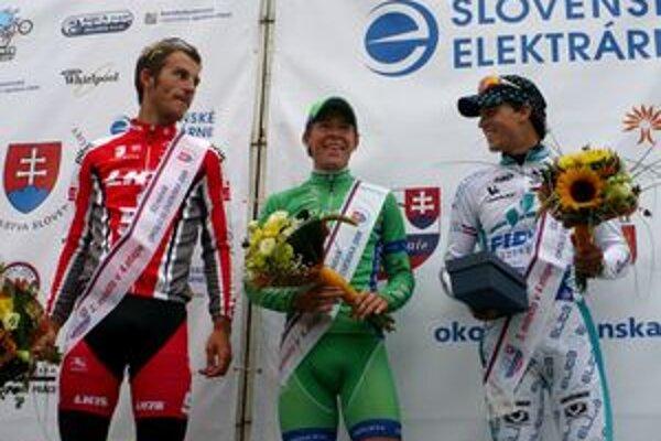 Zľava druhý Schäfer, prvý Jörgensen a tretí Štybar v cieli sobotňajšej etape v Ilave.