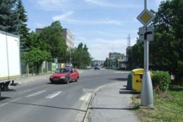 Na problematickej križovatke má byť pre väčšiu bezpečnosť kruhový objazd.