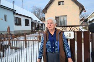 Sedemdesiatosemročnej Márii Michalíkovej z Lehôtky obchod v dedine veľmi chýba.