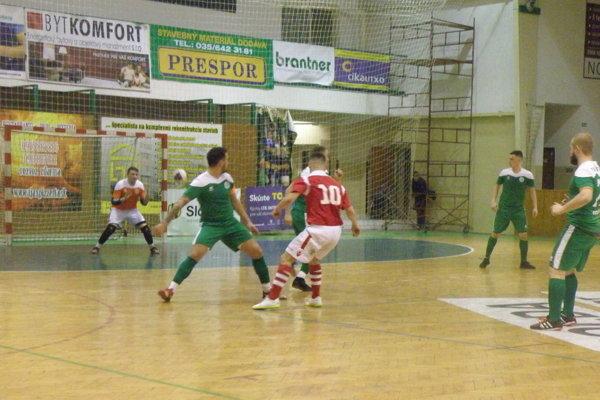 Rozuzlenie tretieho finálového zápasu medzi Novými Zámkami a Kaniankou prinieslo až predĺženie.