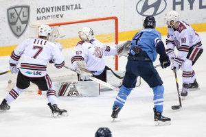 Kyle Chipchura počas zápasu HC Slovan Bratislava - Dinamo Riga.