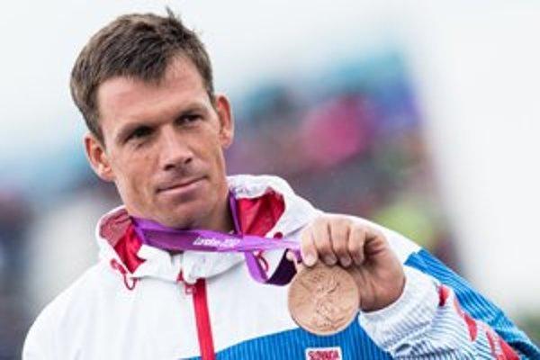 Tridsaťtriročný rodák z Liptovského Mikuláša ako prvý muž v histórii vybojoval v individuálnej disciplíne na olympiáde päť medailí za sebou.