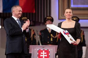 Z rúk prezidenta Kisku nedávno prebrala Rad Ľ. Štúra I. triedy.