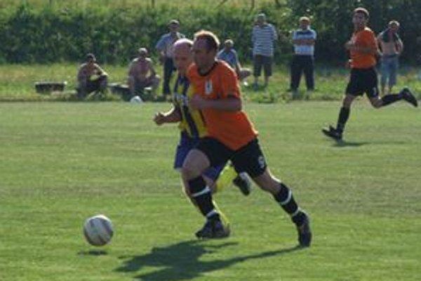V druhej triede hrajú svoje zápasy aj mužstvá Hubovej a Hýb.