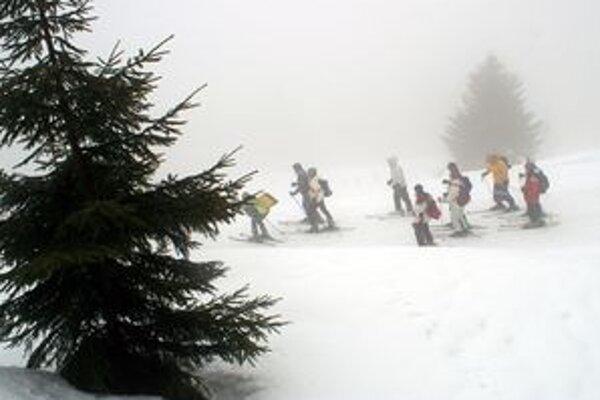 Na túrach v horách treba byť opatrní, počasie sa rýchlo mení a stále trvá lavínové nebezpečenstvo.