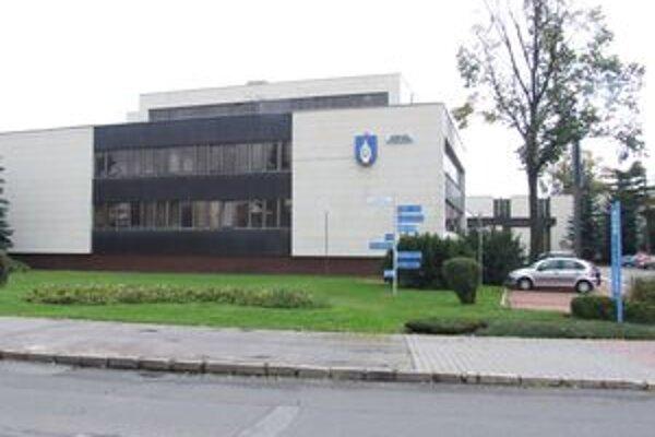 V budove  Mestského úradu v Liptovskom Mikuláši sa v septembri zišli mestskí poslanci na riadnom zastupiteľstve poslednýkrát v tomto volebnom období. Najbližšie by malo byť 9. decembra.