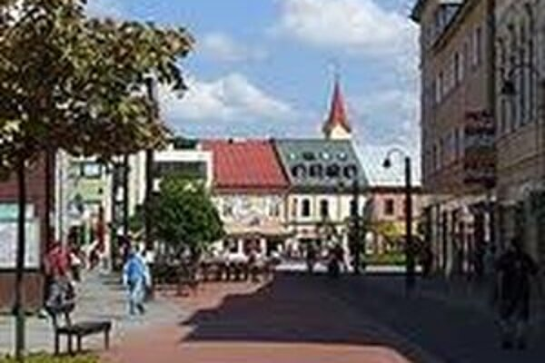 Obyvatelia Liptovského Mikuláša si môžu v komunálnych voľbách vyberať zo štyroch kandidátov na primátora.